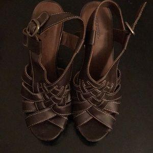 xhilaration size 6 brown heels